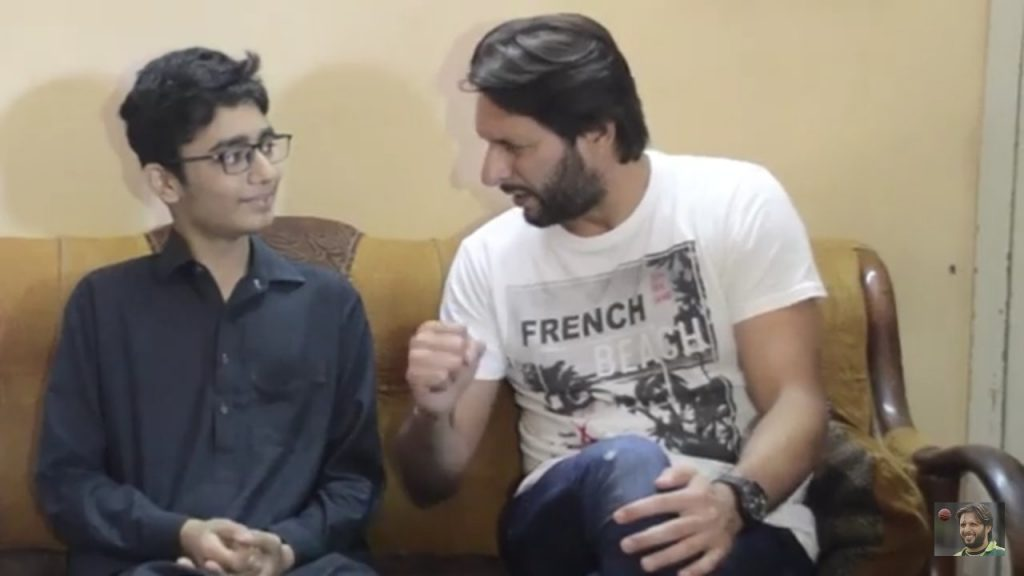 Shahid Afridi meets his biggest fan