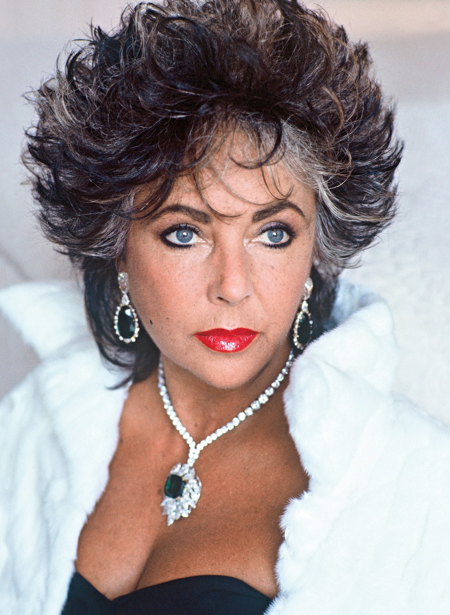 Elizabeth Taylor U0026 39 S Personal Treasures Set For Auction