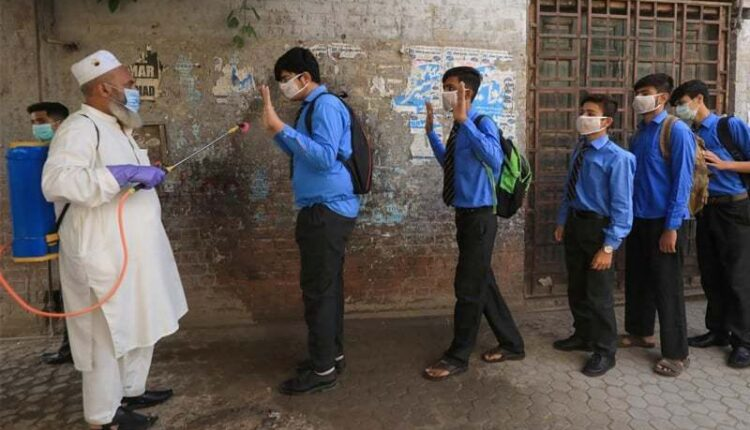 Sindh to Launch Vaccination Campaign in Schools