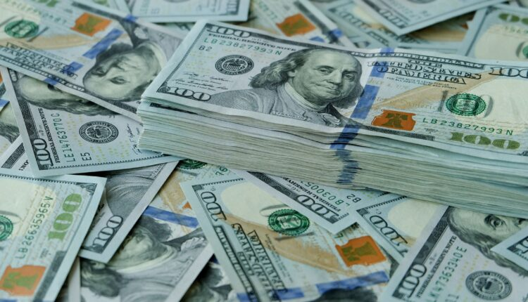 Dollar prices at the highest level in history